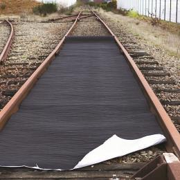 Tappetto assorbente idrocarburi  Pellicola impermeabile  - Protezione dei suoli